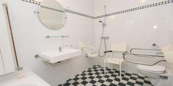 Aangepaste badkamer - Integrale badkamer ...